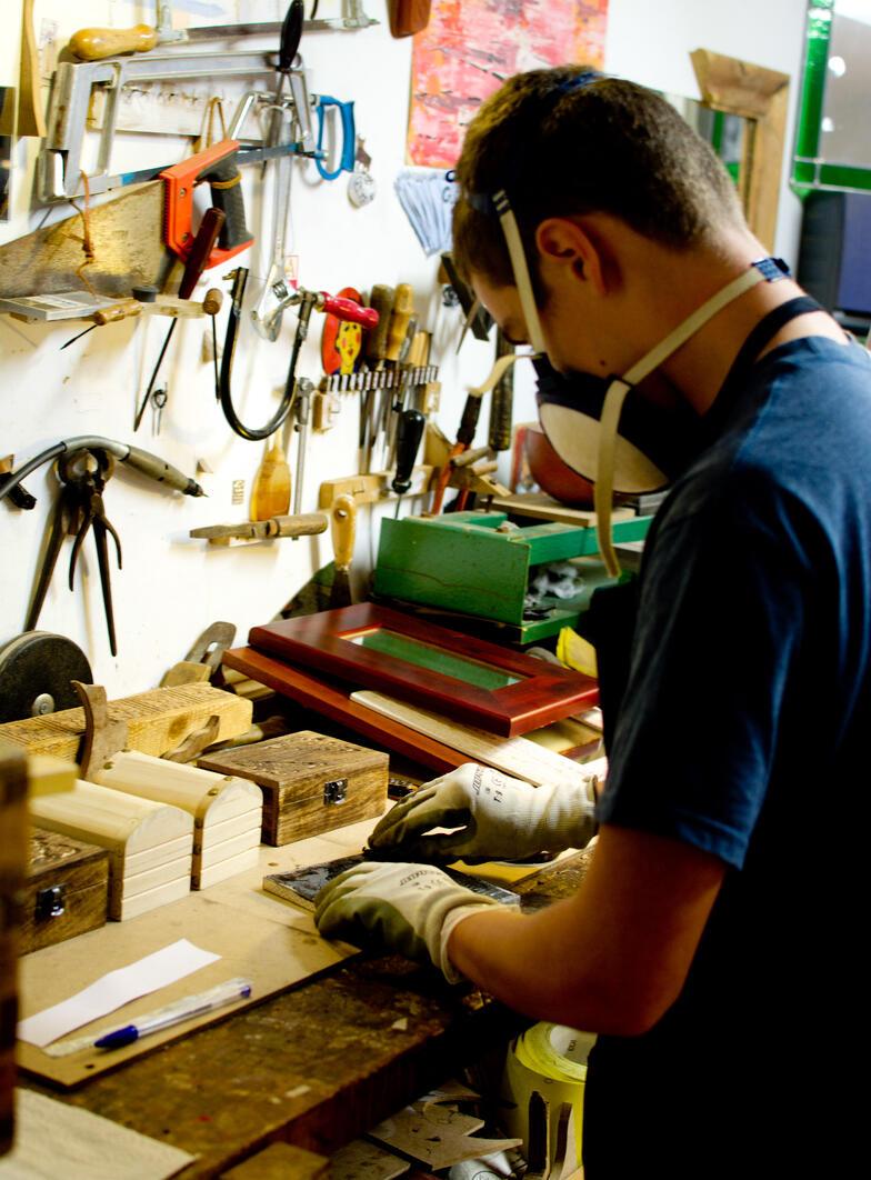 Proctor en Segovia metal arts afternoon activity