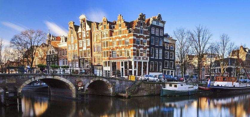 grachten-hotels-amsterdam-1.jpg