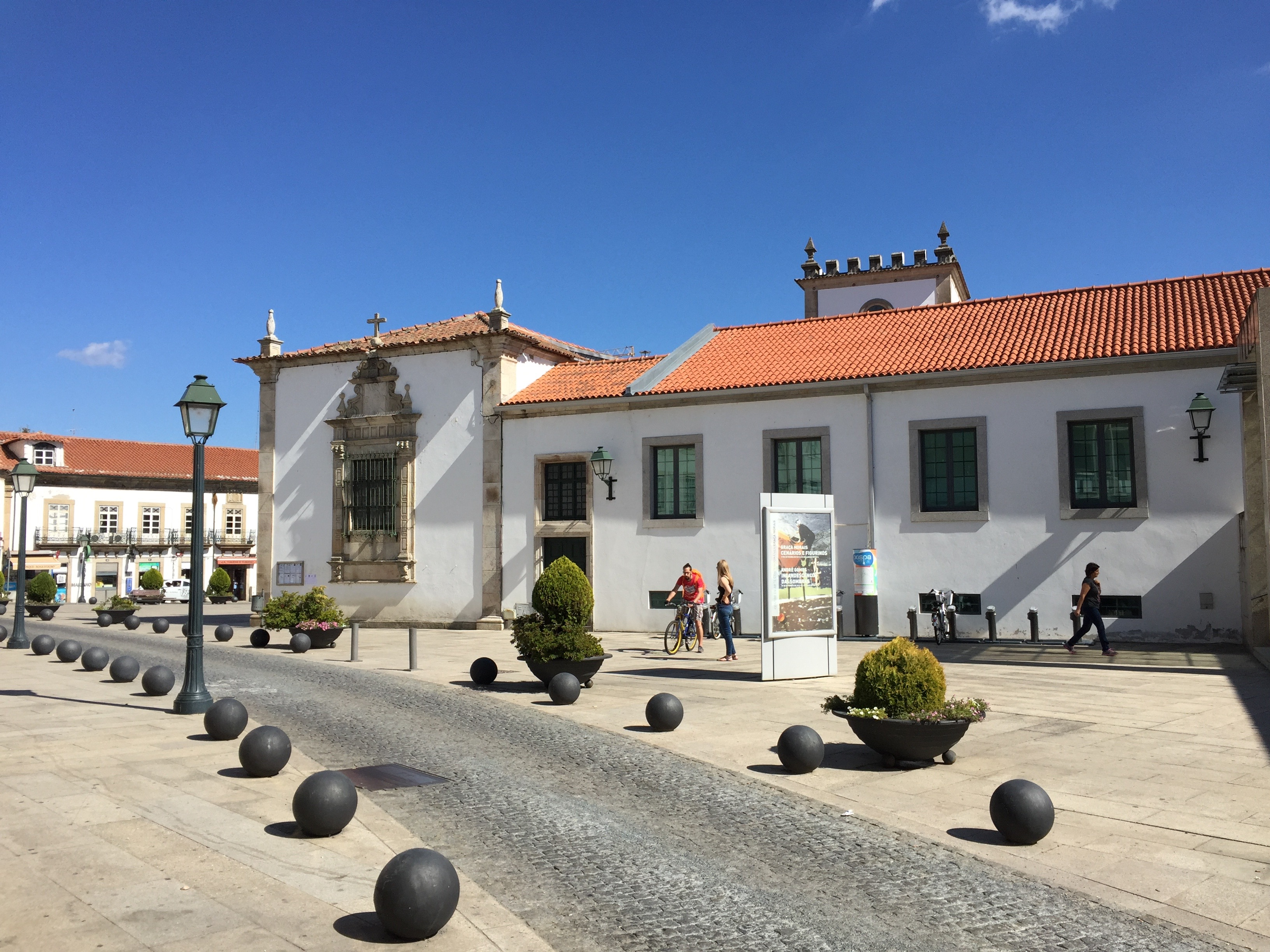 Proctor en Segovia visits a Spain-Portugal border town