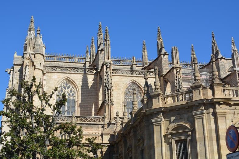 Proctor en Segovia visits the Gothic cathedral of Sevilla.