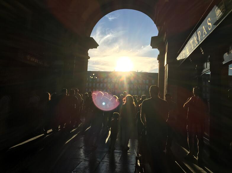 Proctor en Segovia history tour through the center of Madrid