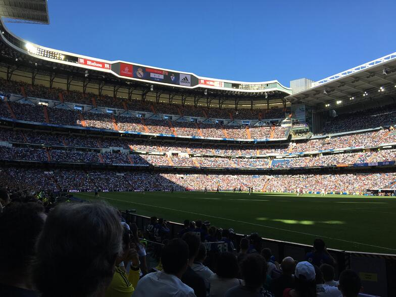 Proctor en Segovia watches a Real Madrid soccer match