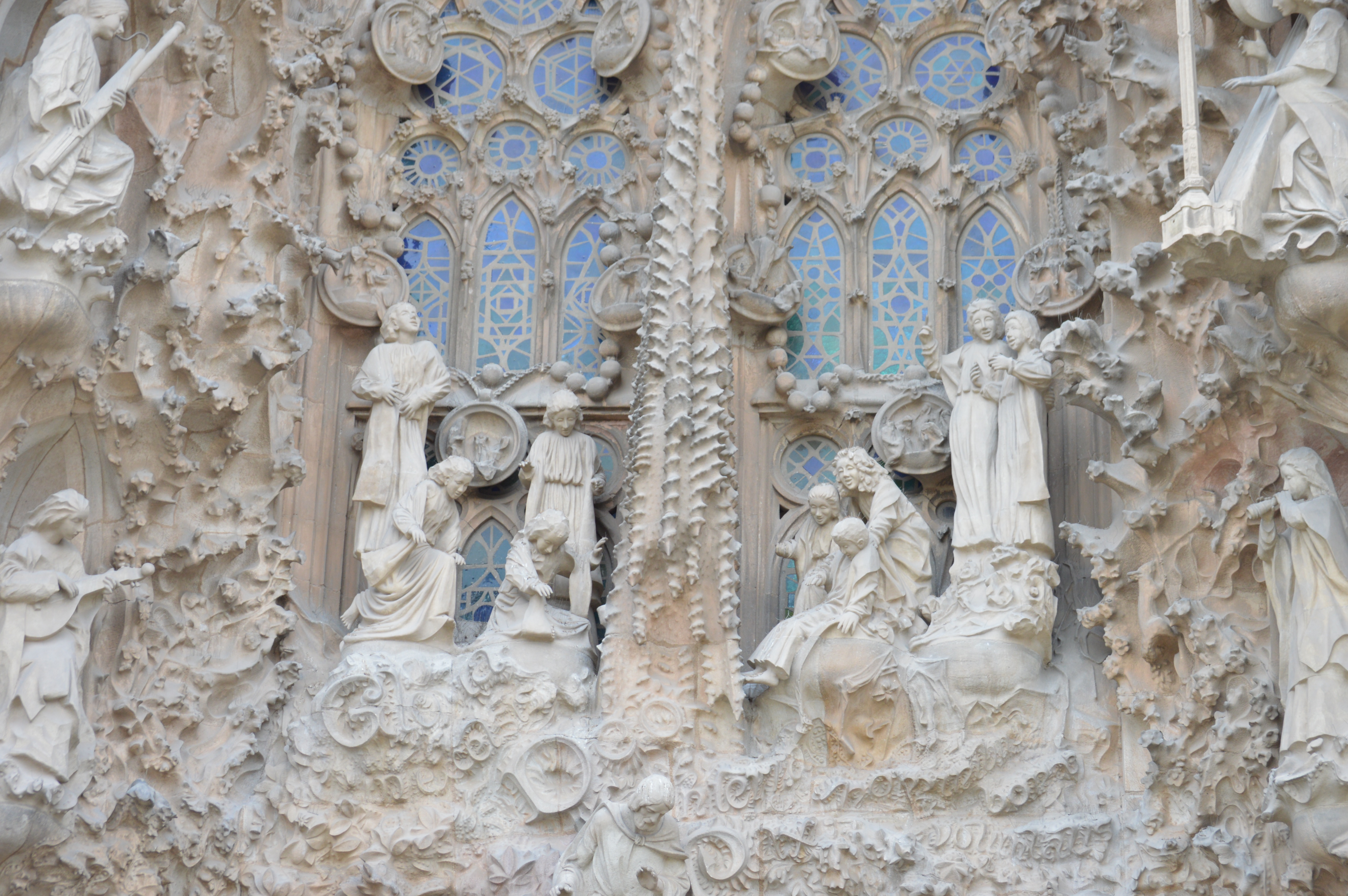Proctor en Segovia visits the Sagrada Familia in Barcelona