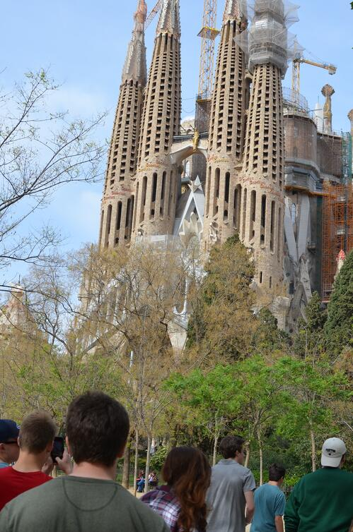 Proctor en Segovia visits the Sagrada Familia in Barcelona