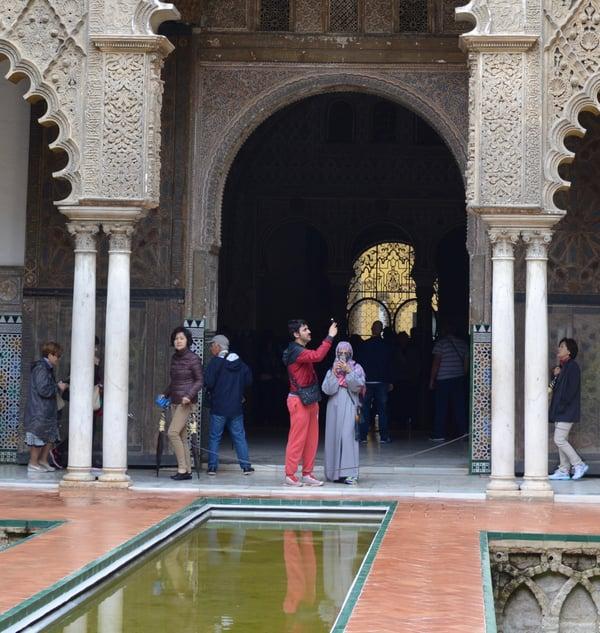 Proctor en Segovia visits Sevilla's Alcázar