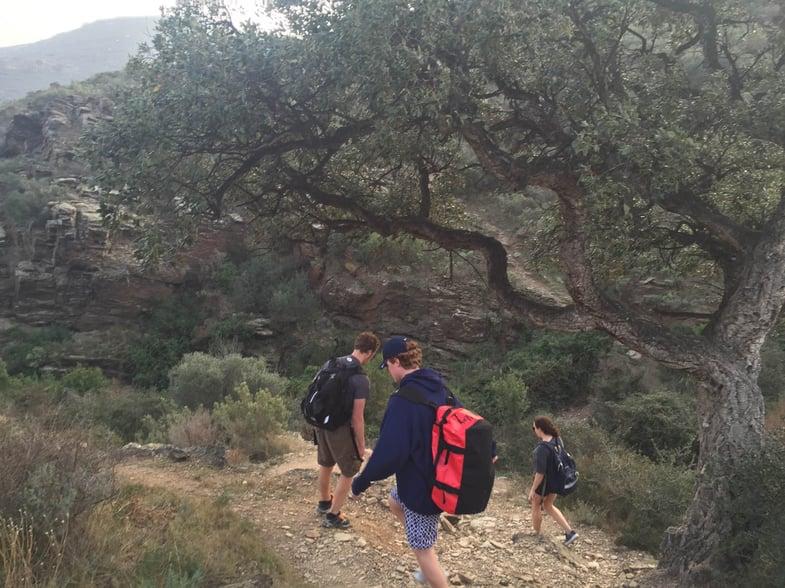 Proctor en Segovia hikes the GR-92 between Cadaqués and Roses