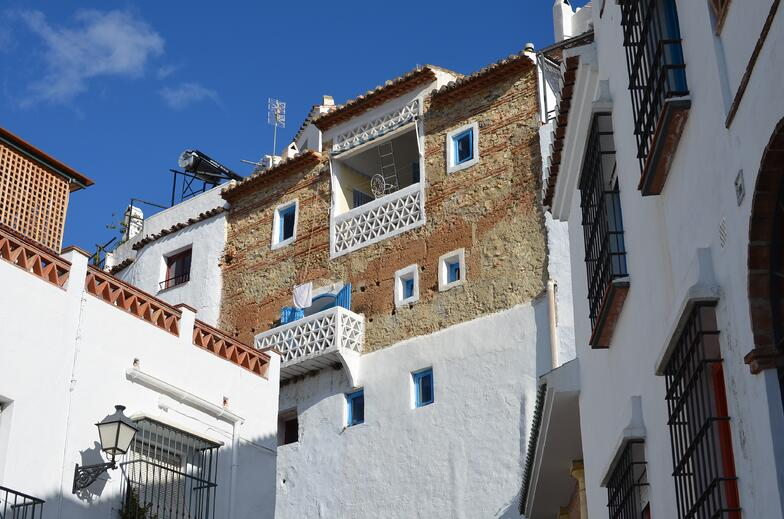 Proctor en Segovia visits the whitewashed hill town of Frigiliana