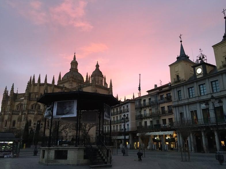 Segovia's Plaza Mayor, the location of Proctor en Segovia