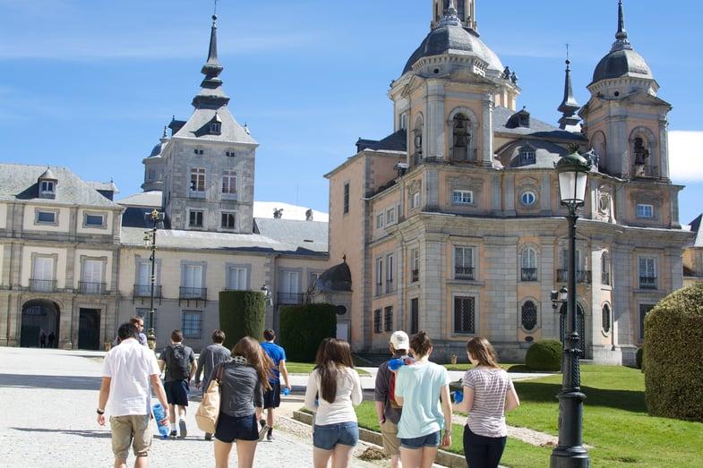 Proctor en Segovia students visit the royal palace in La Granja