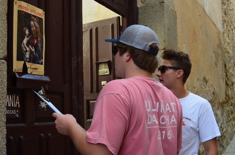 Proctor en Segovia map orientation and scavenger hunt