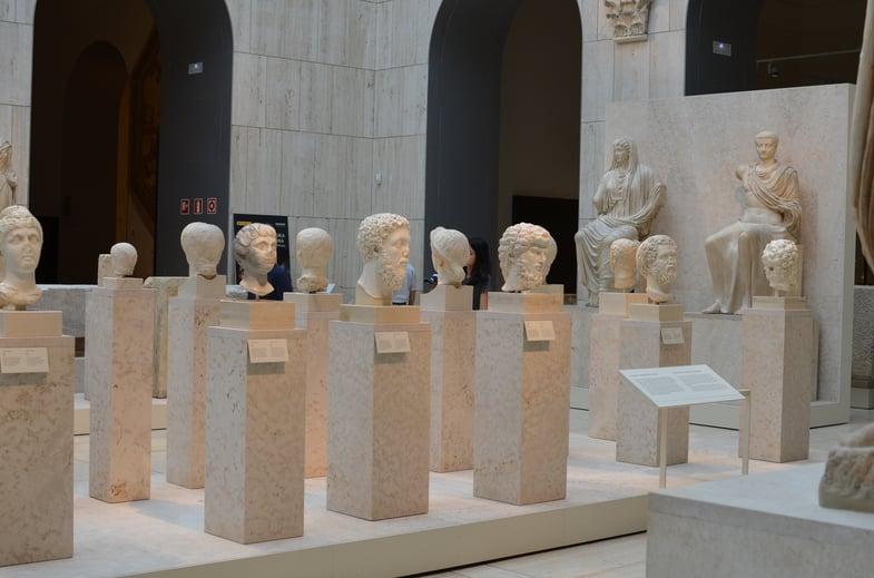 Proctor en Segovia visits Spain's National Archeology Museum
