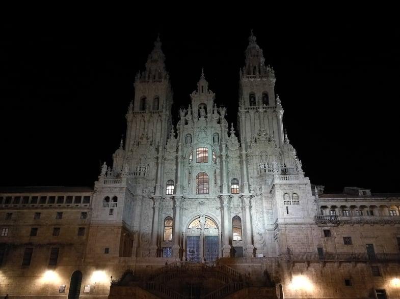 Proctor en Segovia visits the Cathedral of Santiago de Compostela