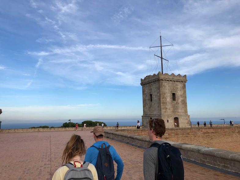 Proctor en Segovia students visit Montjuic.