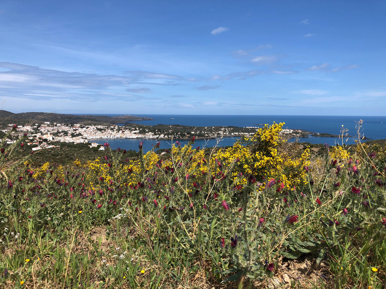 Proctor en Segovia hikes on the GR-92 Mediterranean coast trail