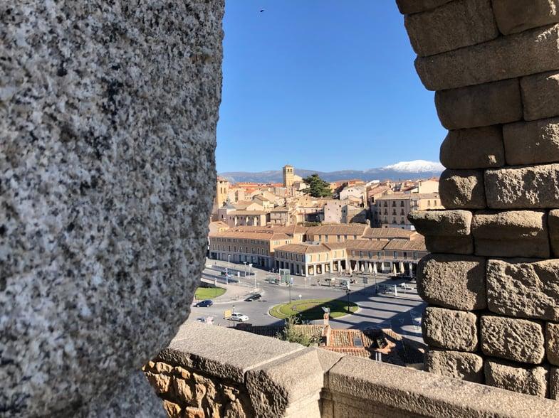 Proctor en Segovia explores the city