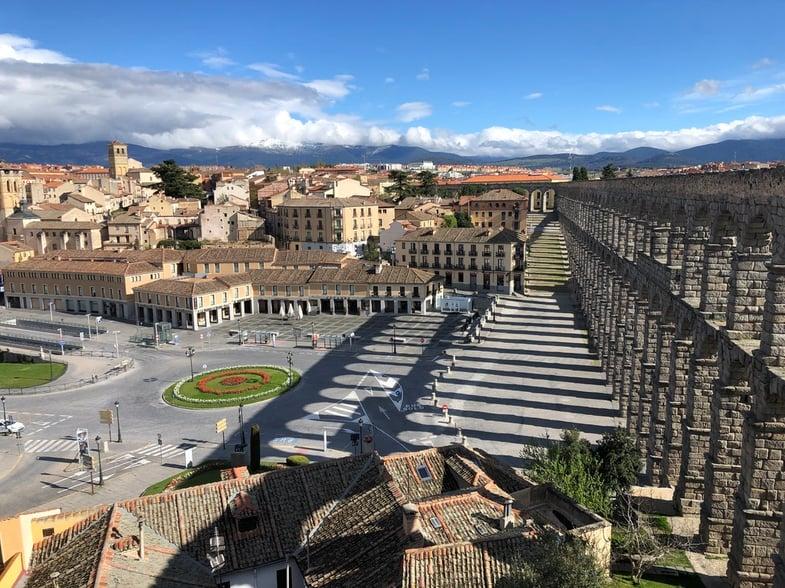 Proctor en Segovia aqueduct COVID-19