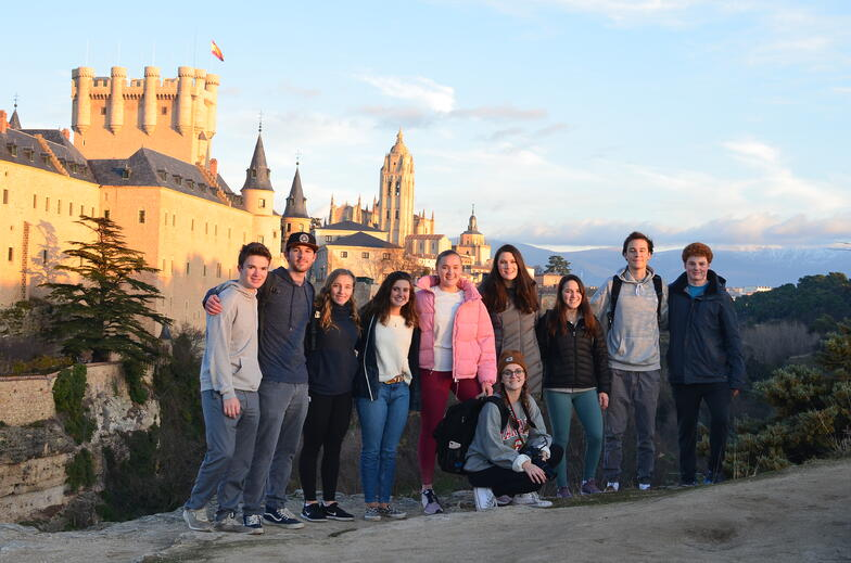 Proctor en Segovia with views of Segovia's Alcázar (castle).