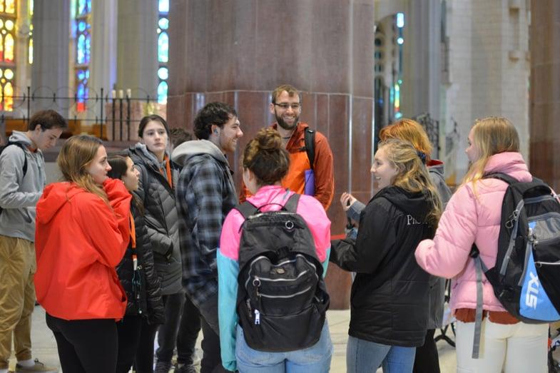 Proctor en Segovia visits Gaudí's Sagrada Familia