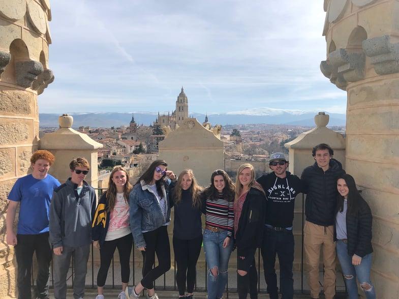 Proctor en Segovia tours the Alcázar of Segovia