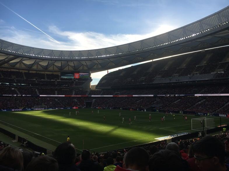 Proctor en Segovia watches an Atlético Madrid match