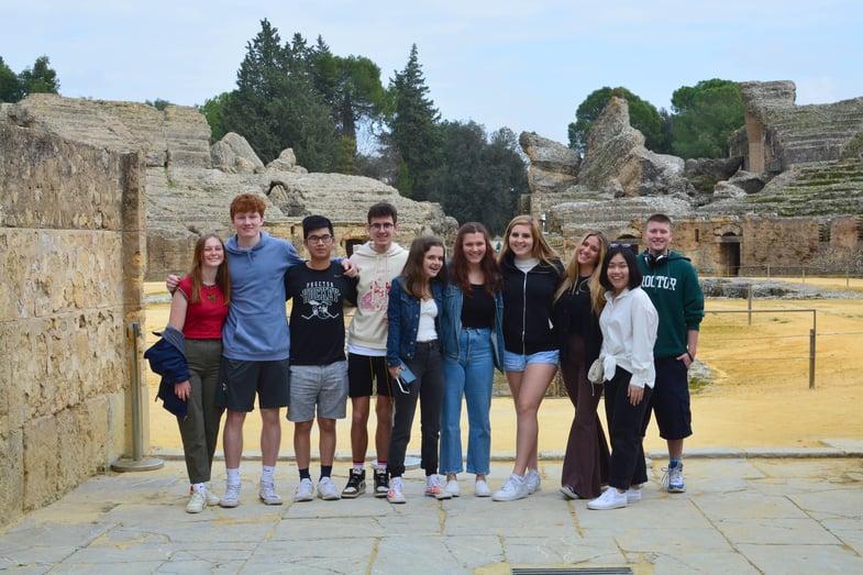 Proctor en Segovia visits the Roman archeological site of Italica