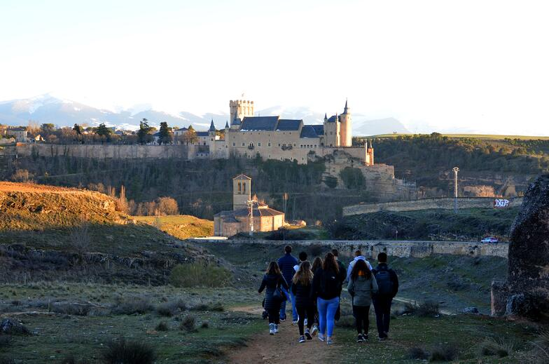 Proctor en Segovia explores the trails that encircle Segovia's old quarter