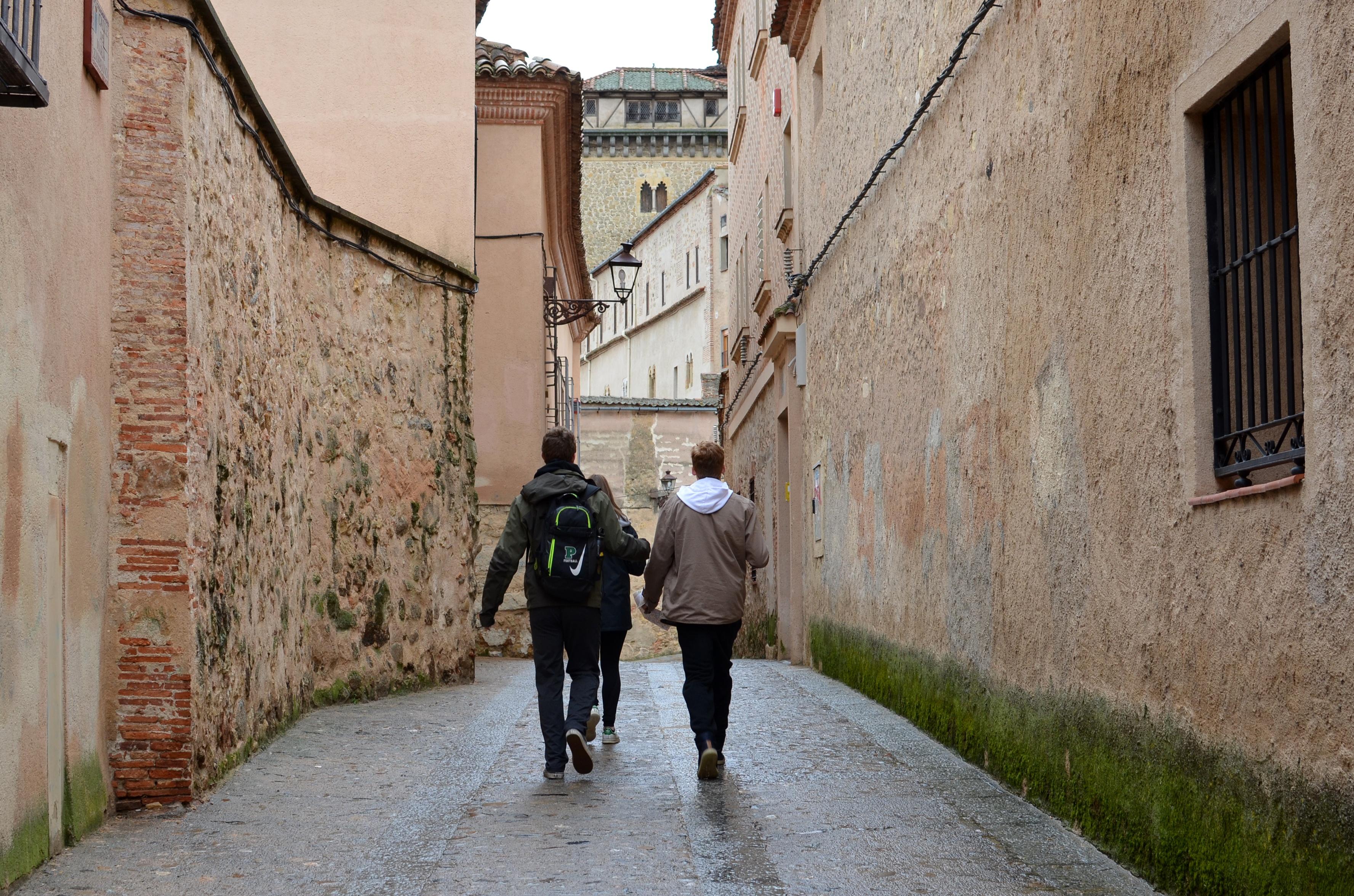Proctor en Segovia scavenger hunt in the old quarter