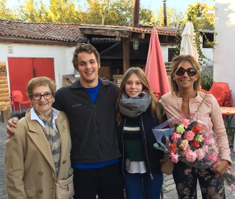 Proctor en Segovia end of term host family gathering