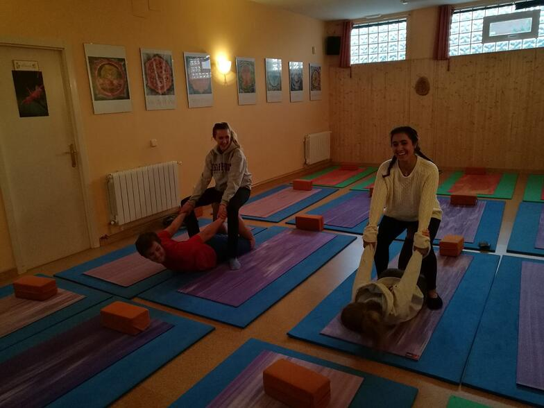Proctor en Segovia group yoga