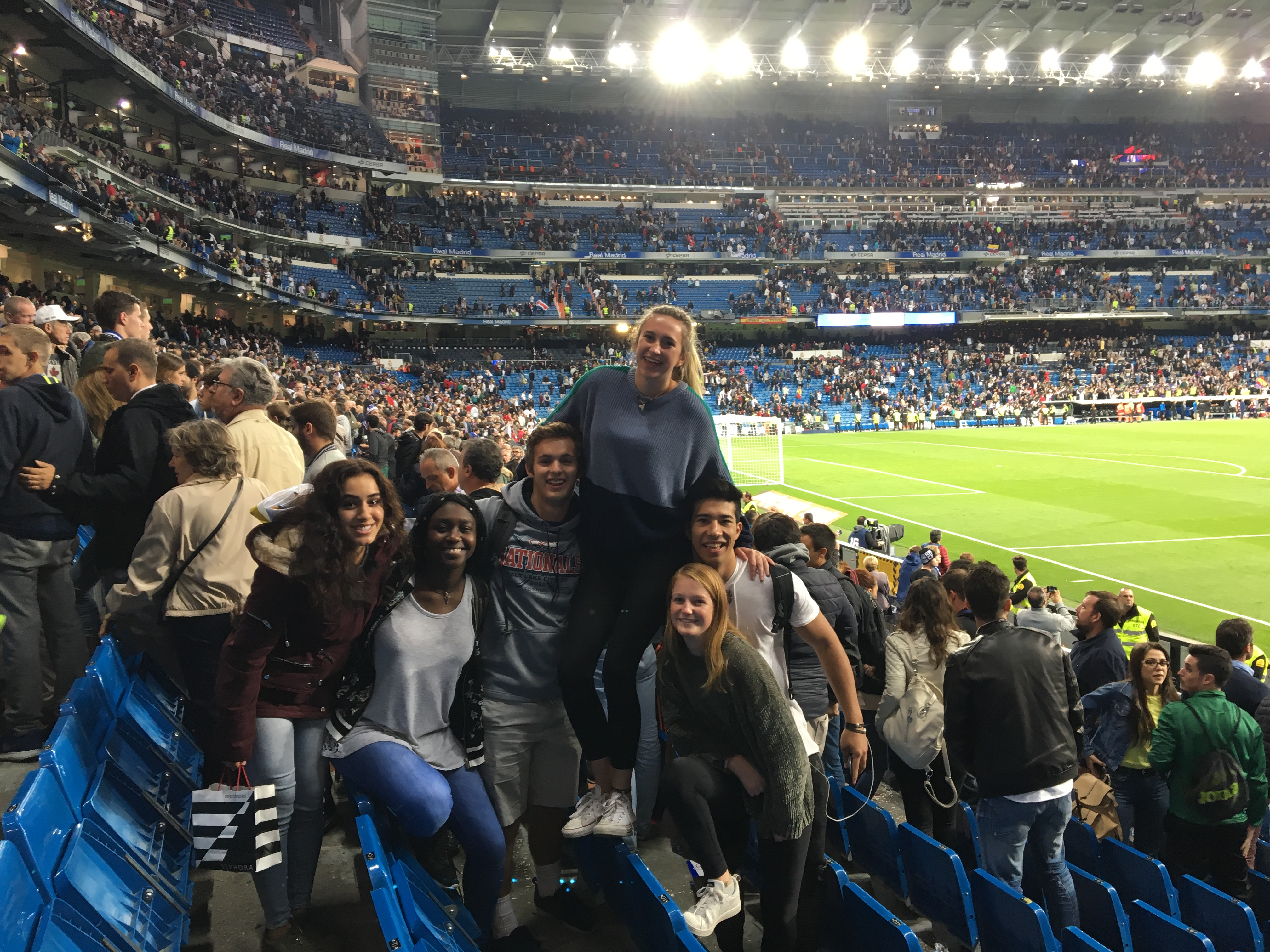 Proctor en Segovia watches a Real Madrid match