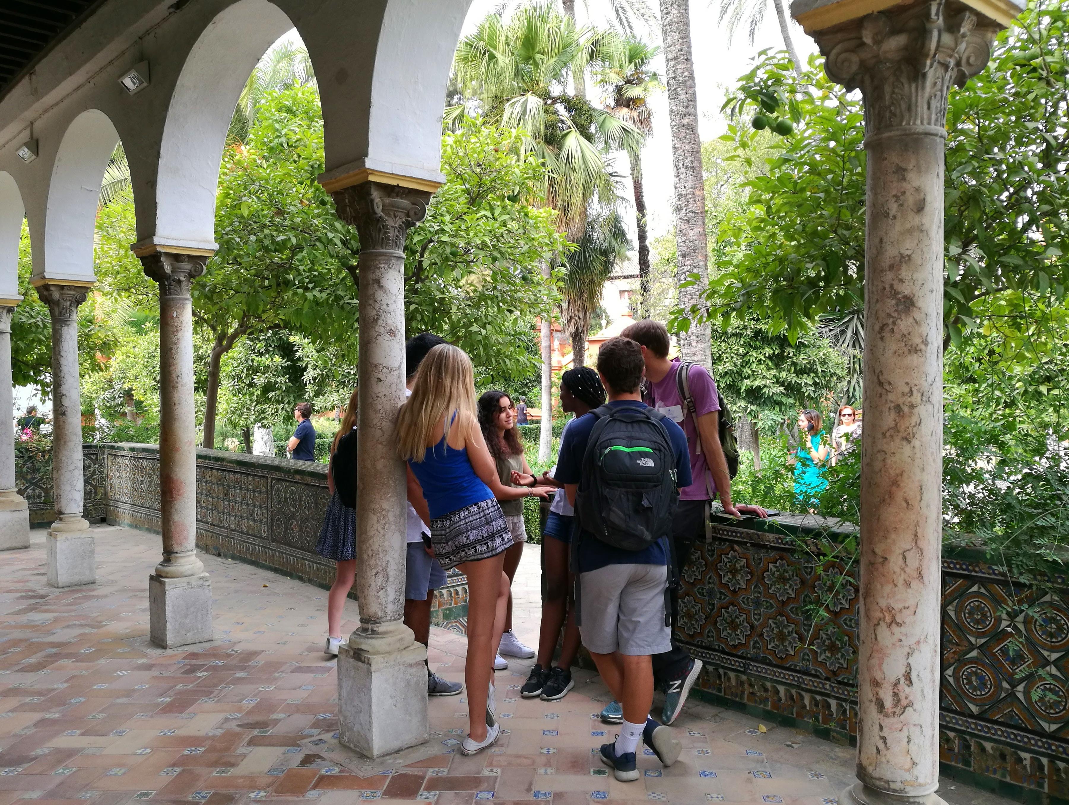 Proctor en Segovia visits the Alcázar of Sevilla
