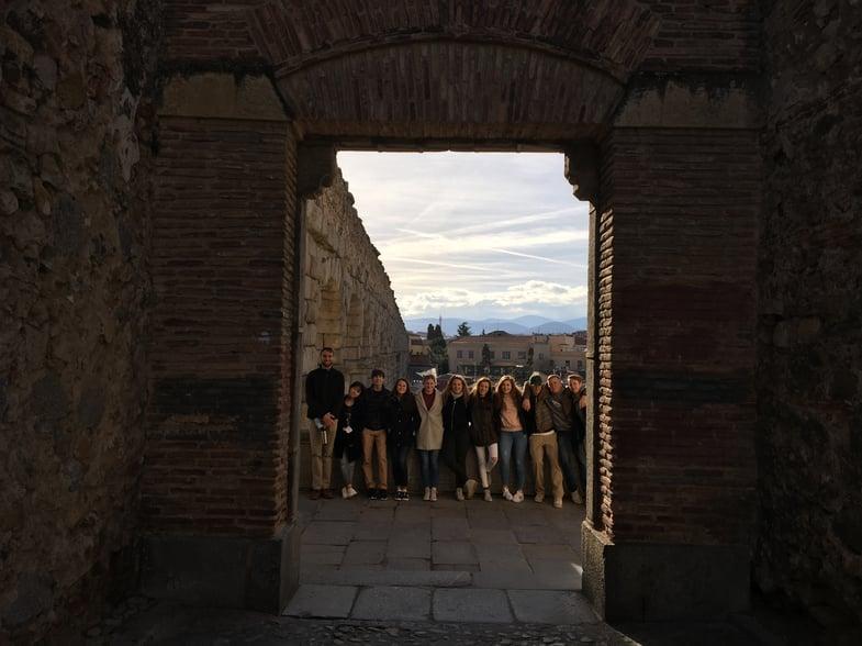 Proctor en Segovia at the aqueduct