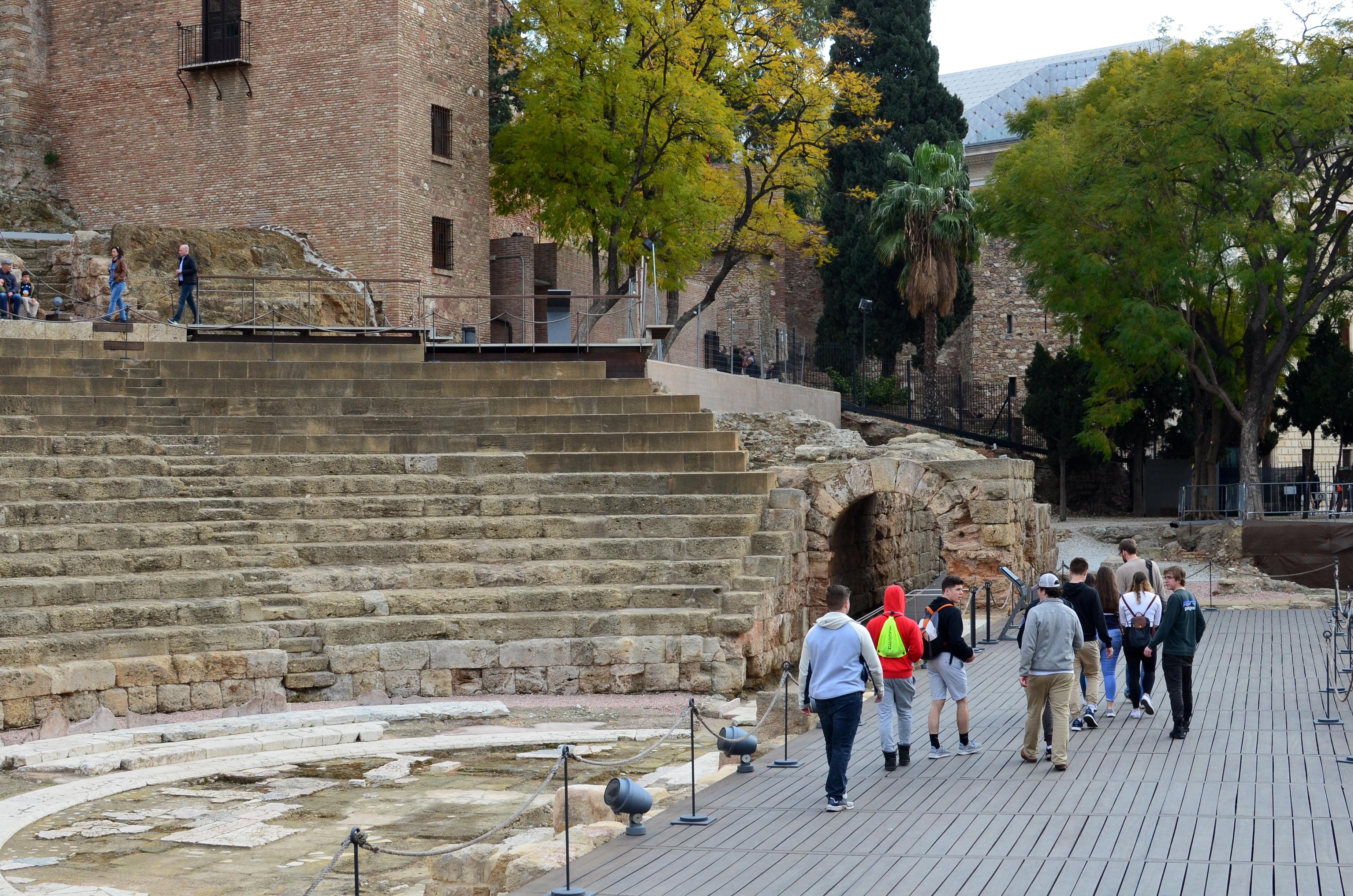 Proctor en Segovia visits the Roman theater of Málaga