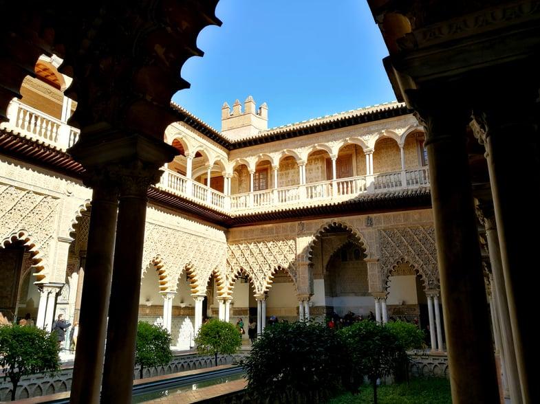 Proctor en Segovia inside the Alcazar of Sevilla